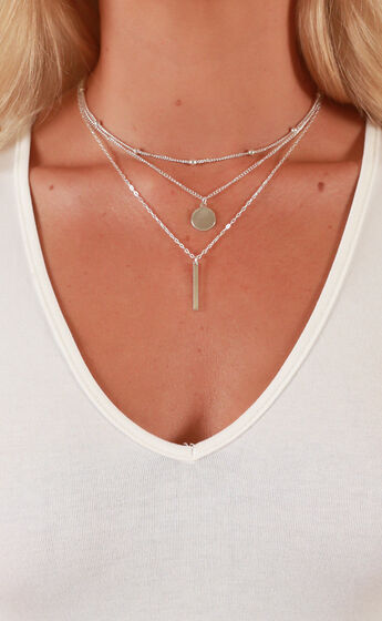 The Guest List necklace in Silver