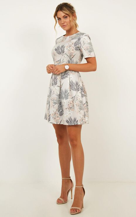 Meet The Parents Dress In Grey Floral