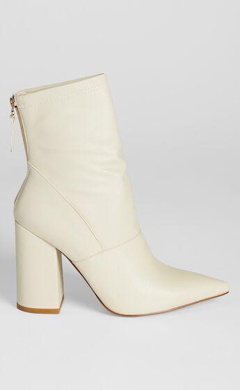 Billini - Thatcher Boots in Bone