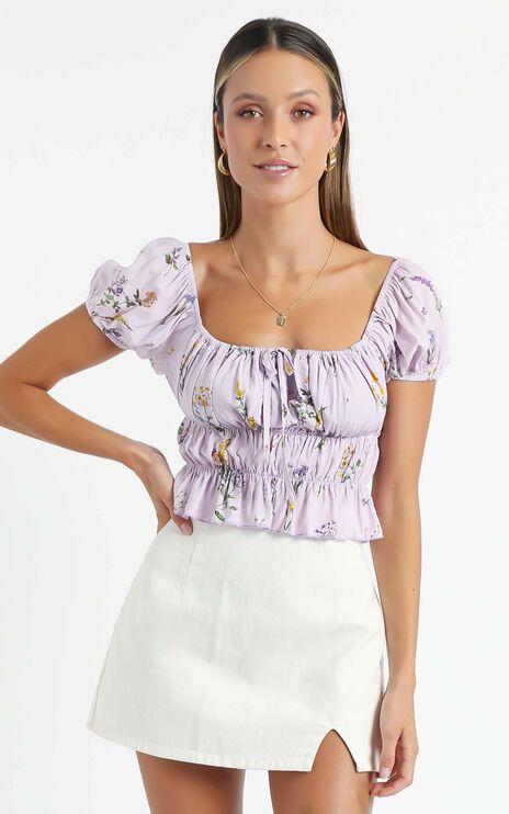 Gimme Top In Lavender Botanical Floral