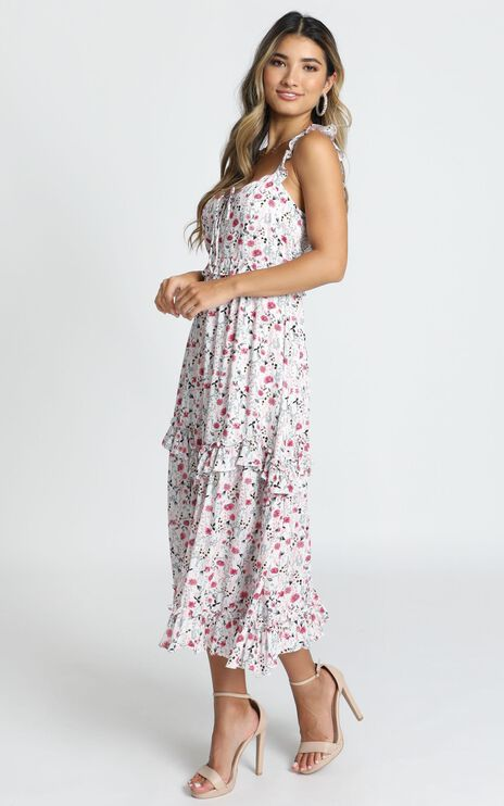 Calista Maxi Dress In White Floral