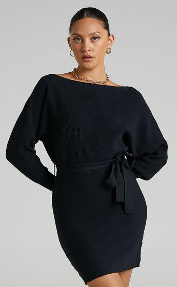 La Fleur Long Sleeve Knit Dress in Black