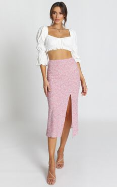 In My Arms Skirt In Pink Floral