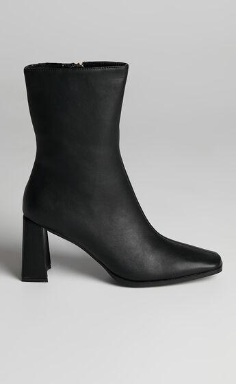 Billini - Orleans Boots in Black