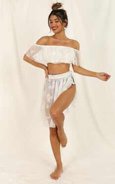 Summer Romance Top In White Embroidery