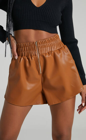 Gerdet Shorts in Brown Leatherette