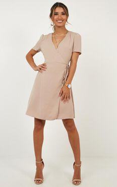 Greater Perspective Dress In Mocha