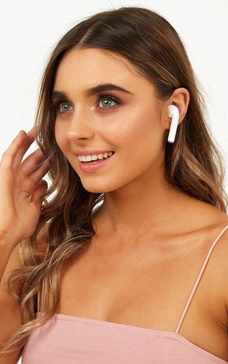 Wireless Ear Pod Headphones In White