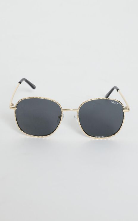 Quay X Lizzo - Jezabell Twist Sunglasses in Gold and Smoke Lens