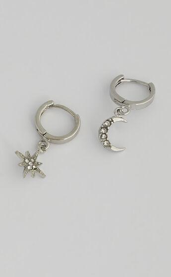 Sibyella Earrings in Silver
