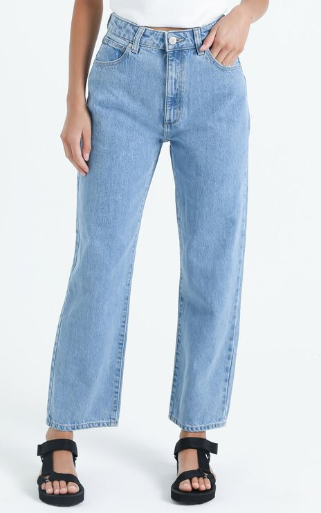 Abrand - A Venice Straight Jean in Waterfalls Blue