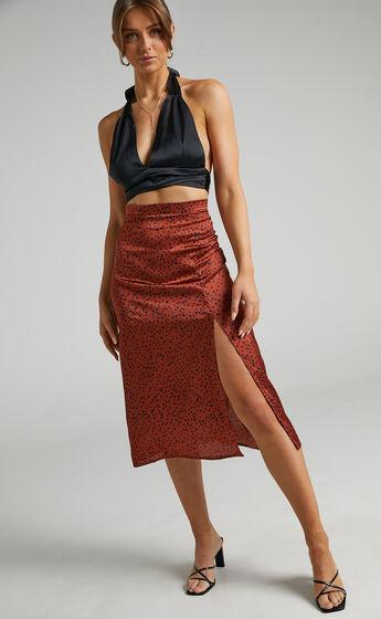 Eulo Printed Slip Skirt With Leg Slit in Copper Spot