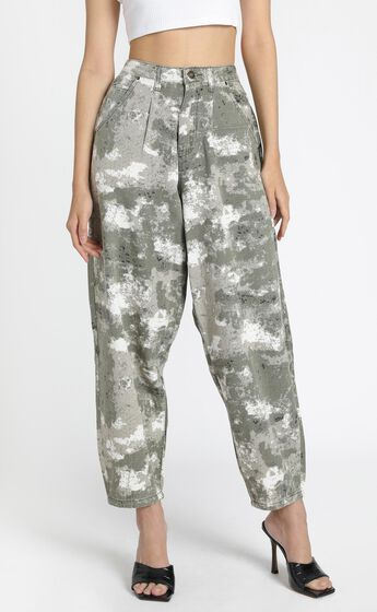Lioness - On My Way Denim Jeans in Green Camo