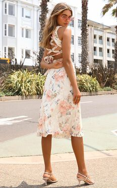 Just Hold My Hand Dress In Peach Floral