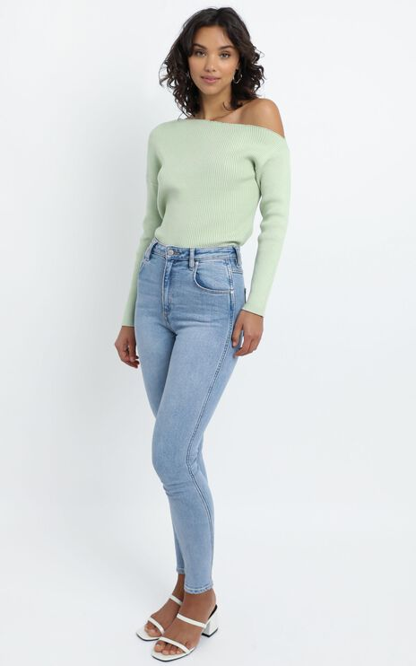 Senya Knit Top in Pistachio