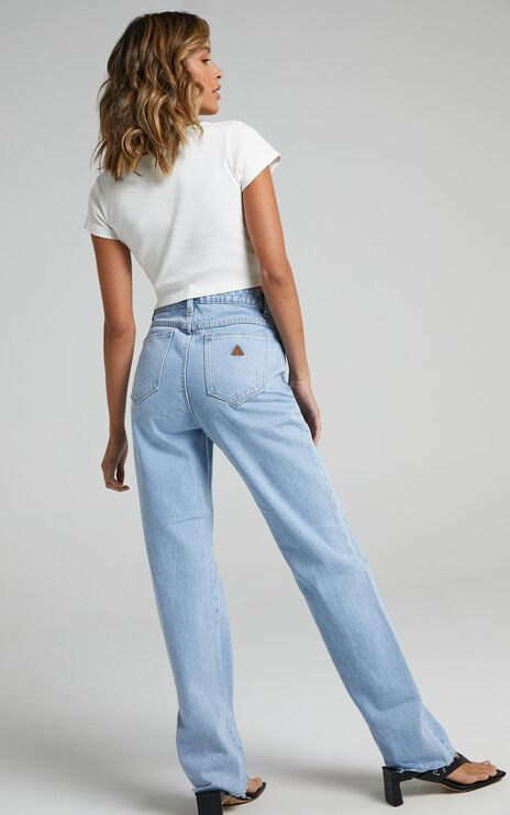 Abrand - A 94 High Straight Jeans in Walkaway