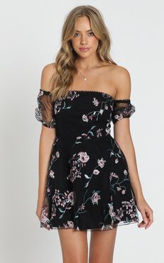 Chic Honey Dress In Black Embroidery