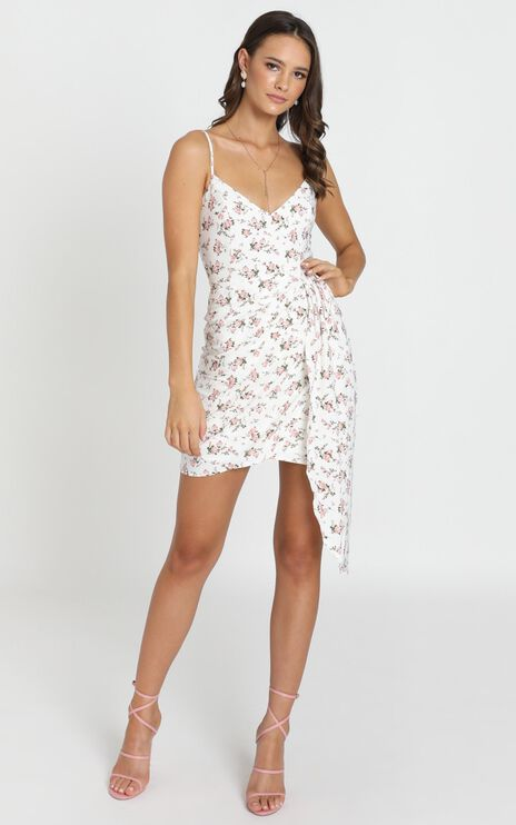 Annita Dress In White Floral