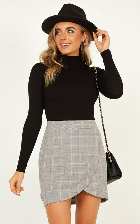 Winterberry Skirt In Grey Check