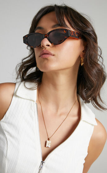Luv Lou - The Joanie Sunglasses in Tort
