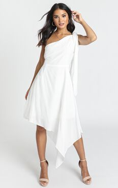 Iconic Moment Dress In White