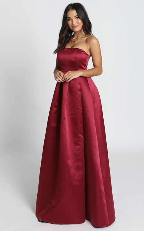 Queen Of The Show Dress In Wine Satin