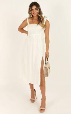 Untamed Dress In White linen
