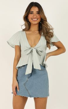 Play Your Cards Right Top In Blue Linen Look