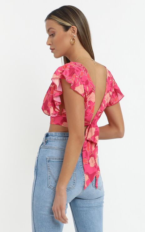 Lets Mingle Top in Berry Floral