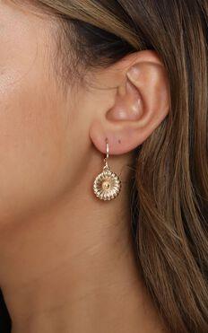 Flower Fields Hoop Earrings In Gold