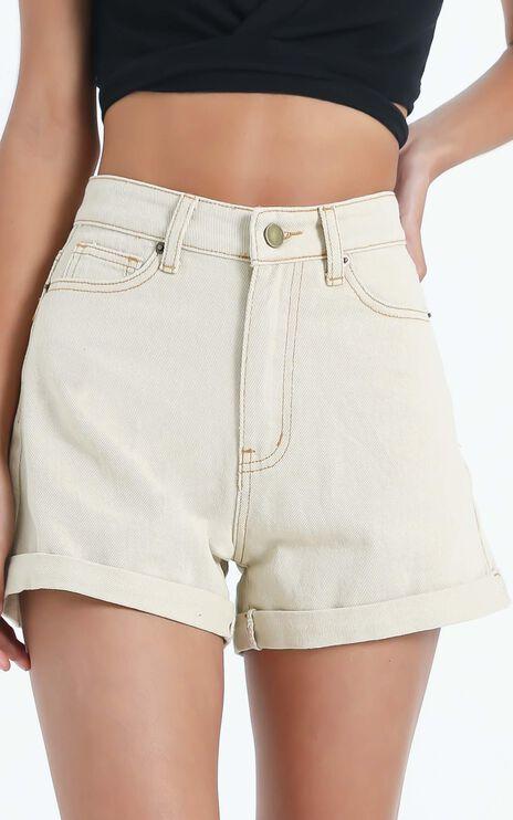 Hinkley Shorts in Beige