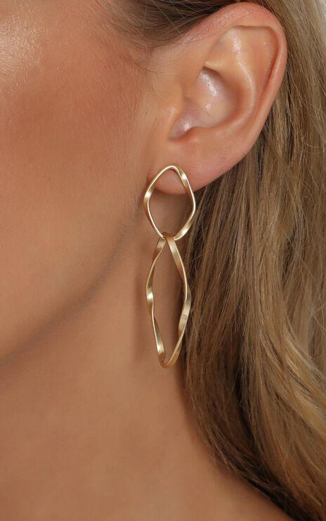 Falling Down Drop Earrings in Gold