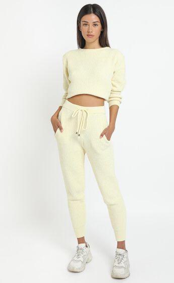 Tabitha Knit Jumper in Pastel Yellow