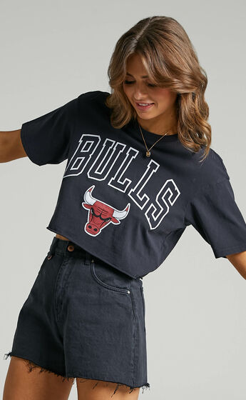 Mitchell & Ness - Chop vintage Chicago Bulls Logo Tee in Faded Black