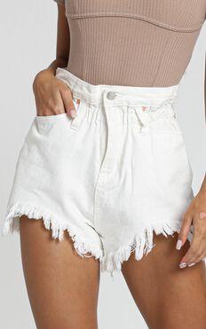 Wannabe Babe Shorts in White