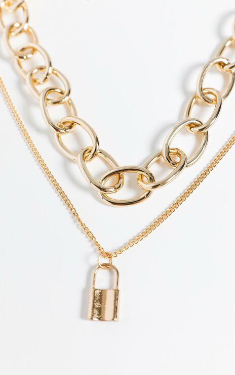 Nikola Necklace in Gold