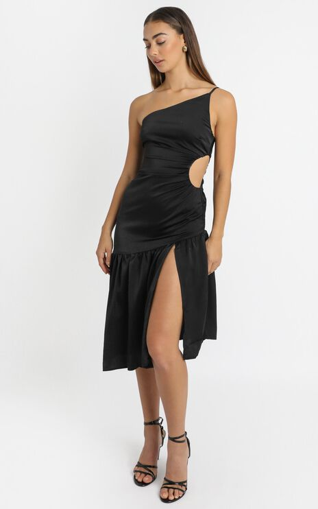 Octavia Cut Out Waist Midi Dress in Black