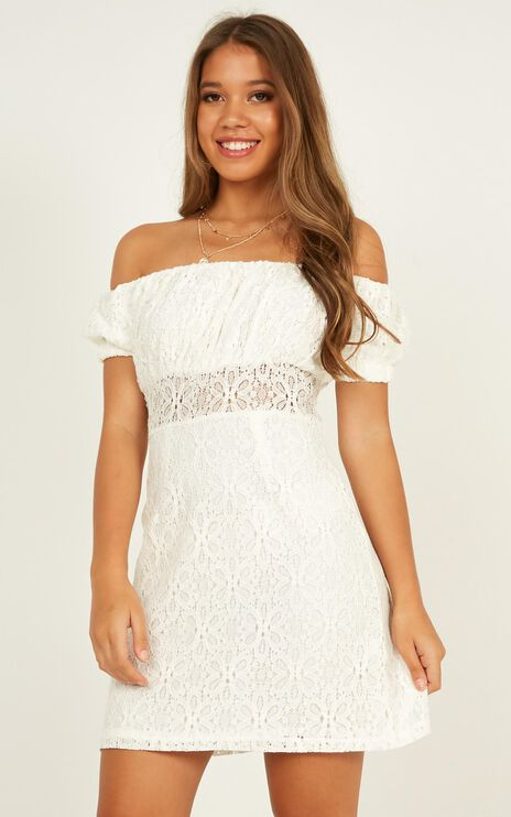 All My Girls Dress In White Lace
