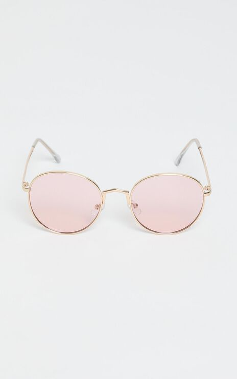 Desert Drive Sunglasses In Gold/Pink