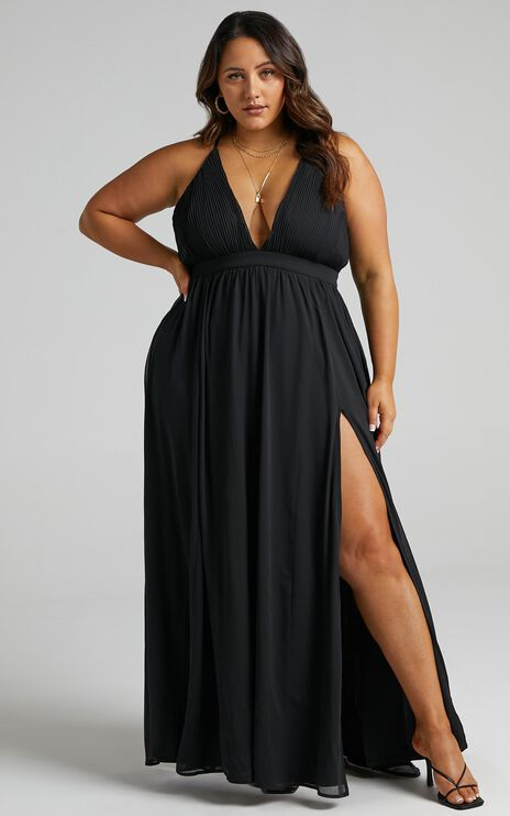 Shes A Delight Maxi Dress In Black