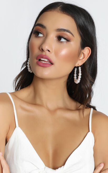 Into Your Arms Earrings In Pearl And Gold, , hi-res image number null