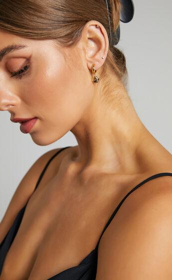 MEADOW DROP EARRINGS in Gold