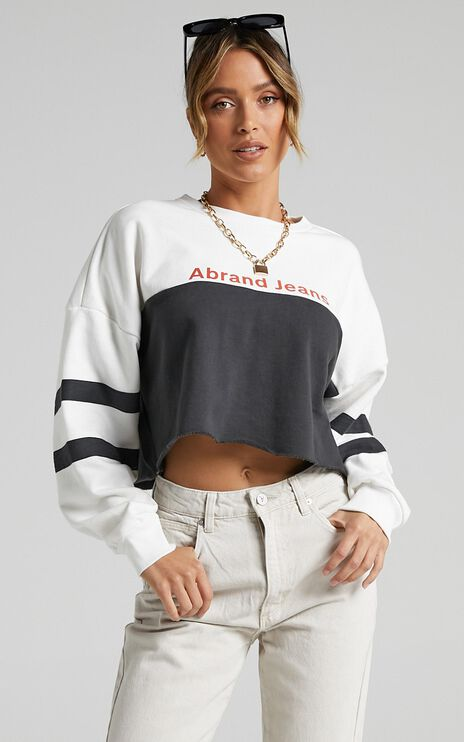 Abrand - Oversized Crop Sweater in White and Black