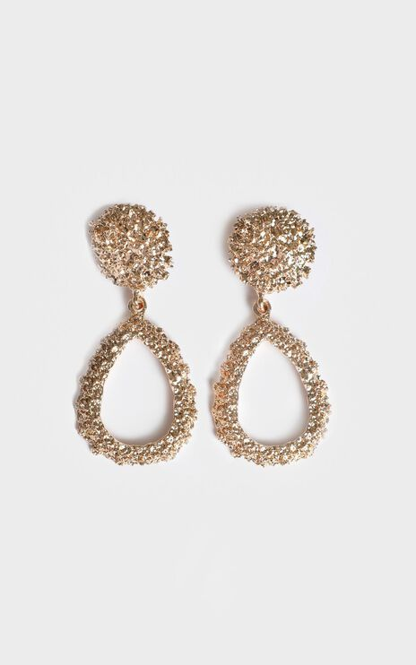 Desert Road Drop Earrings In Gold