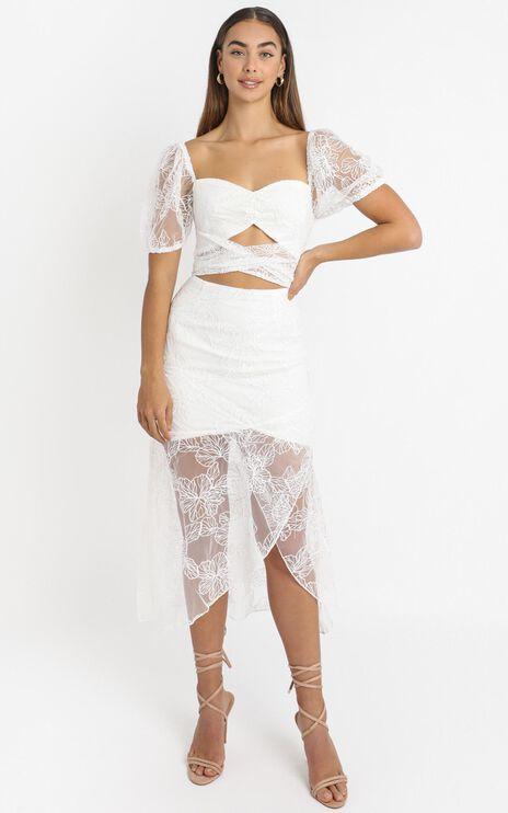Kamilla Tie Front Midi Dress in White Embroidery