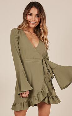 Round The Twist Dress In Khaki