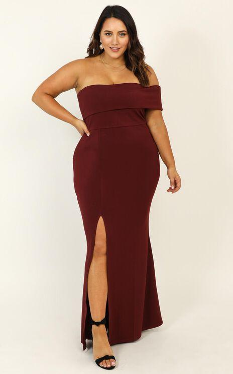 Glamour Girl Maxi Dress In Burgundy