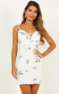 Curiosity Dress In White Floral