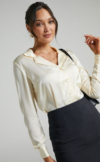 Tinna Longsleeve Satin Collared Button Up Shirt in Off White
