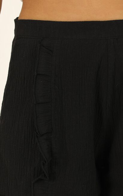 Not Happy For You Shorts in black linen look - 14 (XL), Black, hi-res image number null